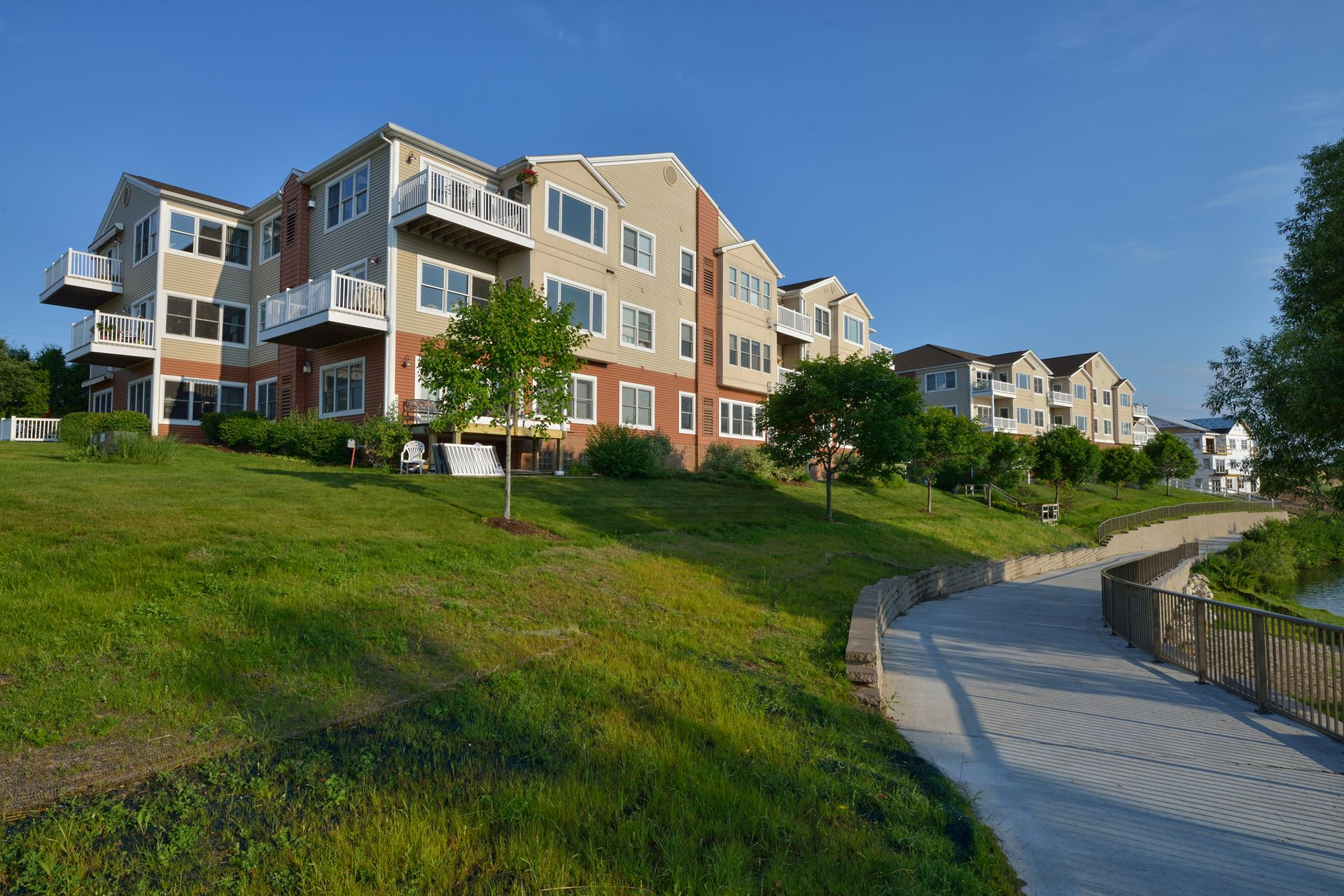 Lake-Ridge-Condos-web